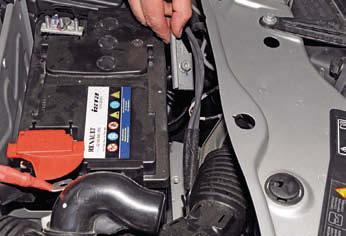 Рено дастер замена аккумулятора