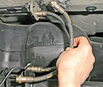 Замена тормозного шланга с прокачкой дастер 4 4 Восстановление раздатки после неудачного ремонта киа сид 2011